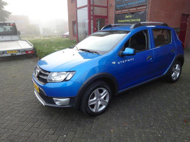 Dacia Sandero 0.9 TCe Stepway Lauréate Boekjes