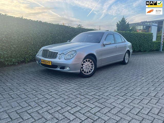 Mercedes-Benz E-klasse 240 Elegance 138000km Schuifdak Navi Leder Youngtimer