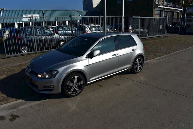 Volkswagen Golf 1.4 TSI Business Edition R Connected