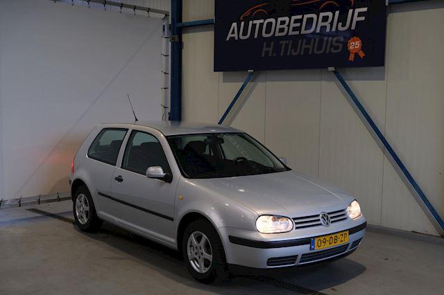 Volkswagen Golf 1.6 Automaat - N.A.P. Airco, Cruise, Trekhaak.