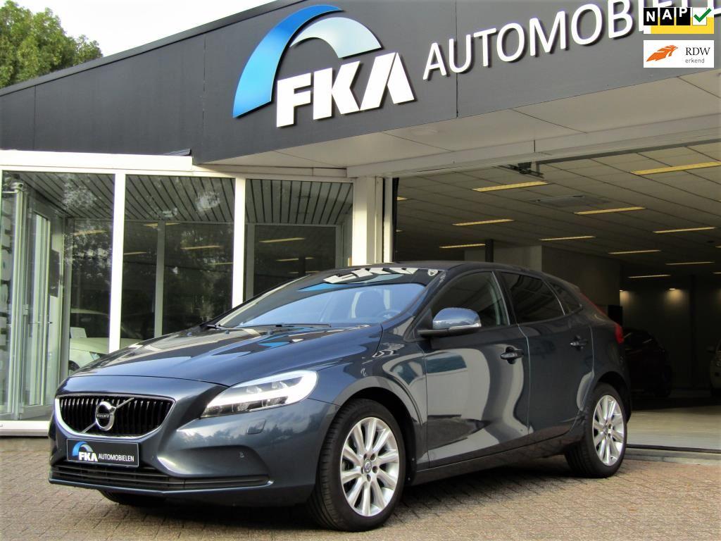 Volvo V40 2.0 T2 Momentum, LED, Navigatie, PDC VA en Camera, DAB, 17 lmv, Climate  Cruise occasion - FKA Automobielen