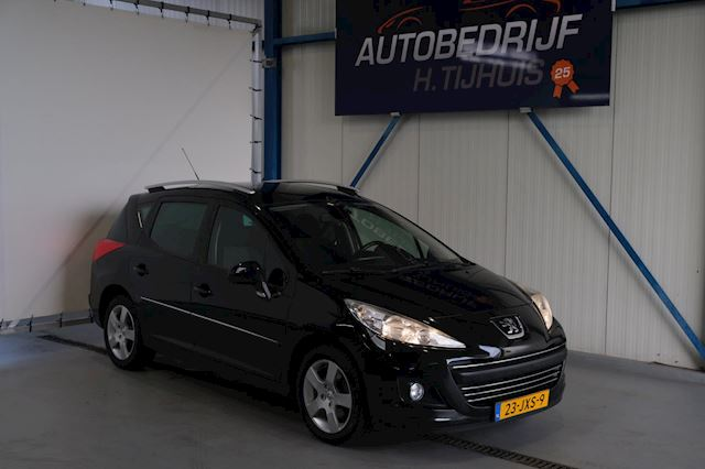 Peugeot 207 SW 1.6 VTi Première - N.A.P. Airco, Cruise, Panodak, Trekhaak.