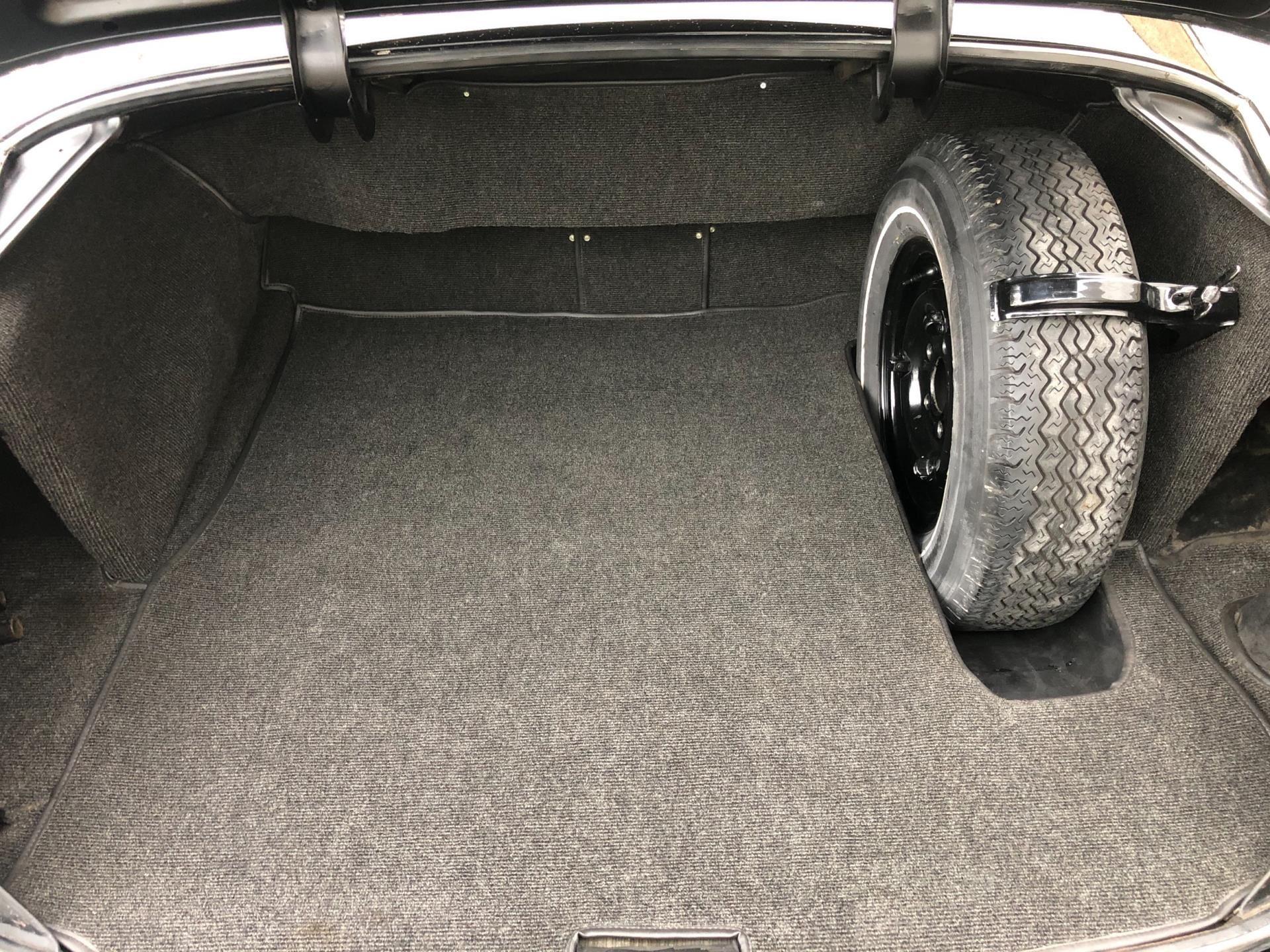 Mercedes-Benz 220 S occasion - Loubann Cars