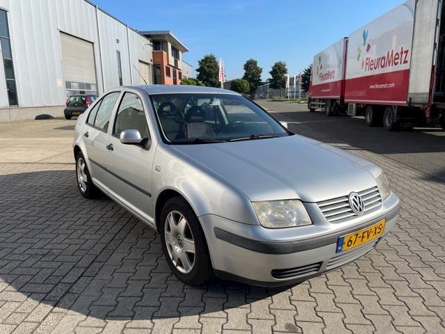Volkswagen Bora 1.6-16V Trendline