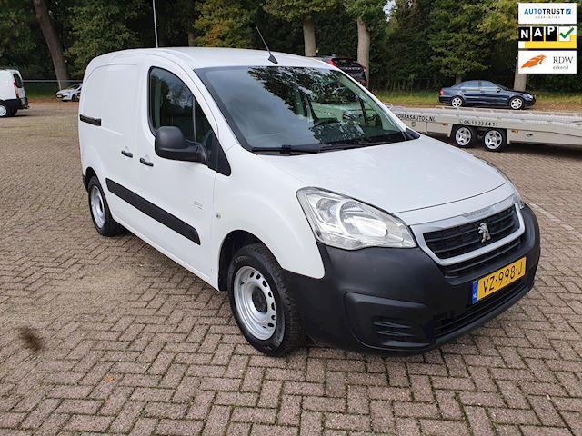 Peugeot Partner 120 1.6 BlueHDi 3-persoons NAVI/cruise apk:10-2022