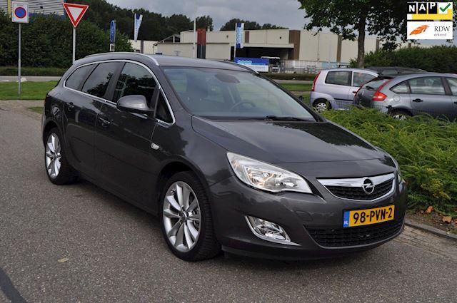 Opel Astra Sports Tourer 1.4i 16v Turbo/CLIMA AIRCO/LM-VELGEN/NAVIGATIE/TREKHAAK/nweAPK/2e EIG/ZEER NETTE EN COMPLETE UITVOERING