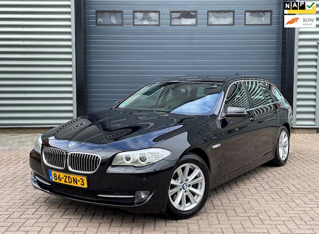 BMW 5-serie Touring 520I 135KW Aut8 2012 Zwart LEDER*NAP