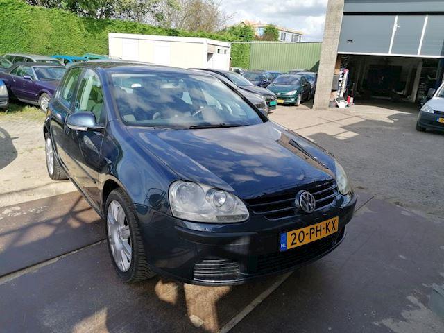 Volkswagen Golf 1.6 FSI Trendline