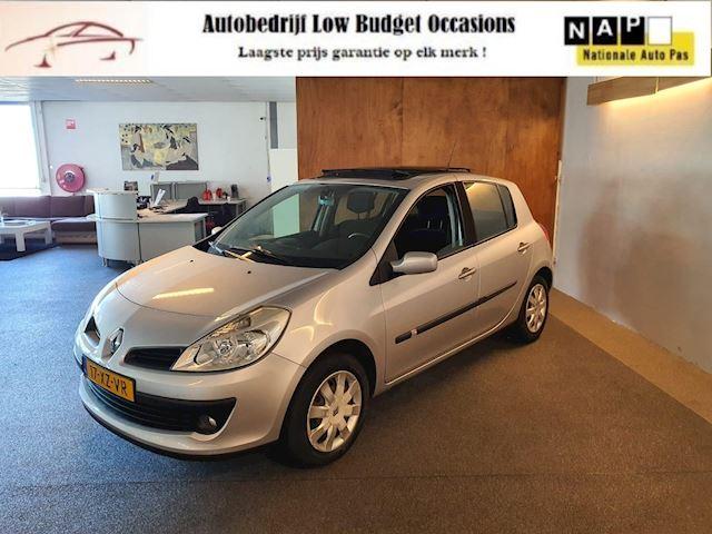 Renault Clio 1.6-16V Dynamique,Apk Nieuw,2e eigenaar,Cruise,Airco,Panodak,Automaat,N.A.P,5Deurs,Topstaat!!