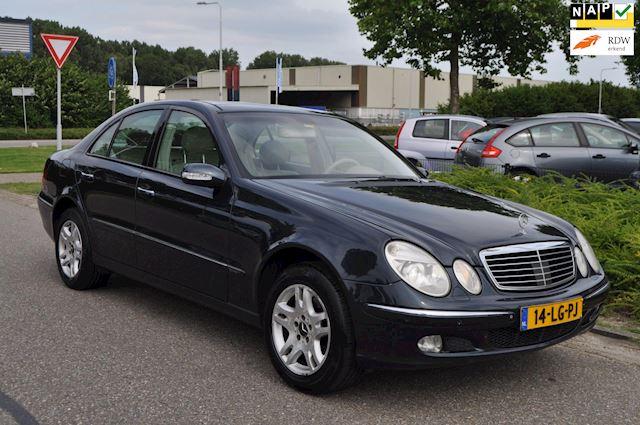 Mercedes-Benz E-klasse 320 AUTOMAAT ELEGANCE/CLIMA AIRCO/NAVI/LM-VELG/XENON/PANORAMADAK/NAP/EXPORT/APK 19/1/2022/90.000 EURO NIEUW