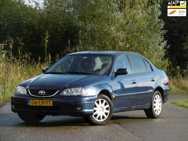 Toyota Avensis occasion - Dunant Cars