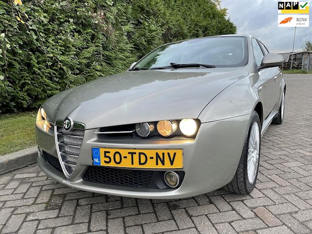 Alfa Romeo 159 Sportwagon 1.9 JTS Distinctive,Bj 2006,Navi,Clima,Cruise ,6 Bak,Trekhaak,161pk,Lichtmetalen velgen 17